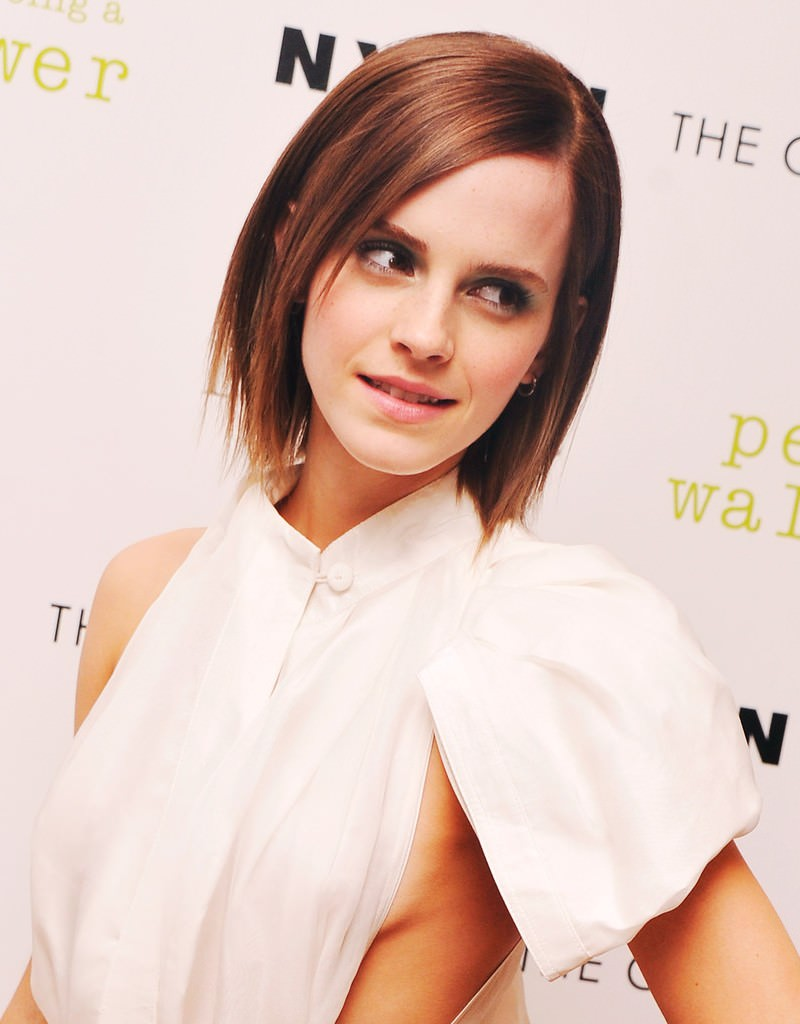 Emma-Watson-Short-Layered-Razor-Cut-800x1024